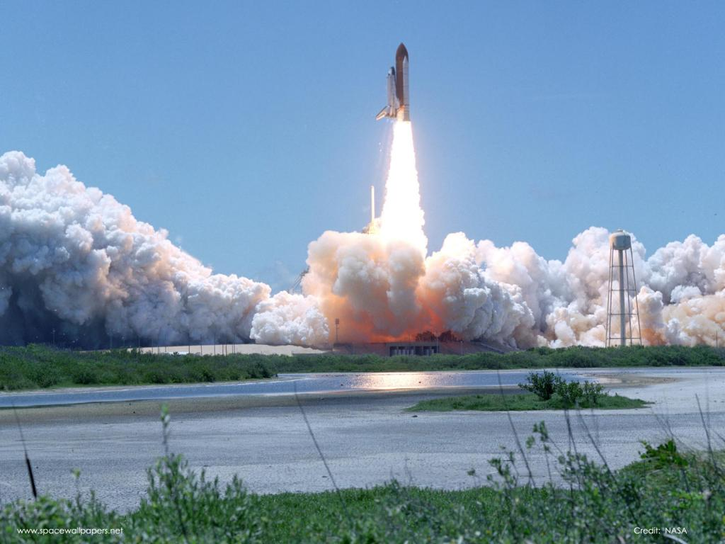 Discovery Launch STS121.jpg