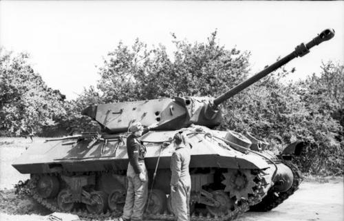 Nordfrankreich_2C_englischer_Panzer_M10_Achilles#.jpeg